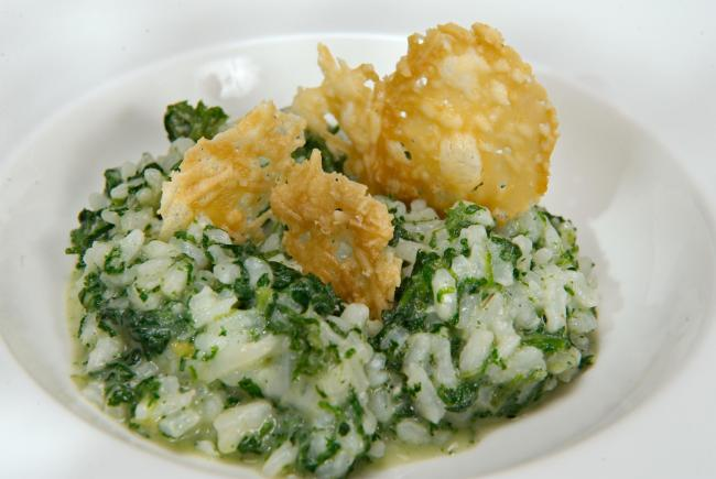 Full of vitamins – nettle risotto – and it doesn't sting!