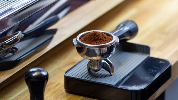 Ledbury Reporter: A kitchen scale can help you navigate the bean-to-water ratio for the perfect brew. Credit: Getty Images / Chepko