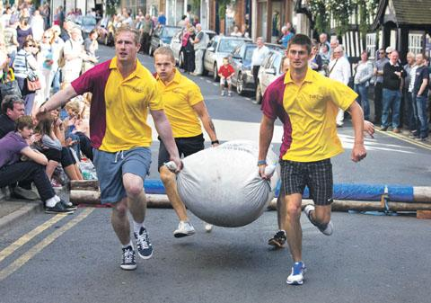Competitors take part in the Hop Pocket Race.