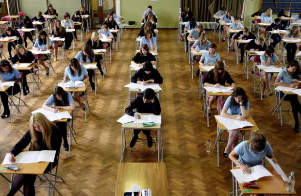 Schools falling below GCSE national average