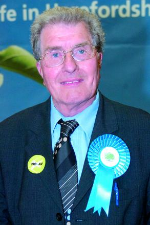 Gordon Lucas, 'a great councillor, a great friend and a great man', has died