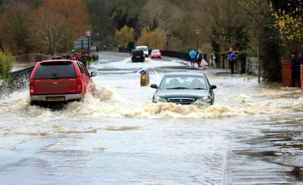 Pershore bridge flooding