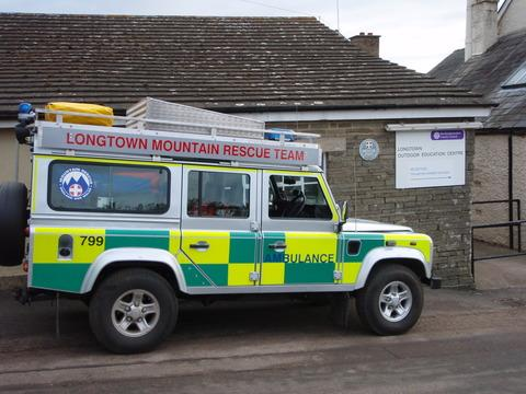 Teenagers rescued from mountain