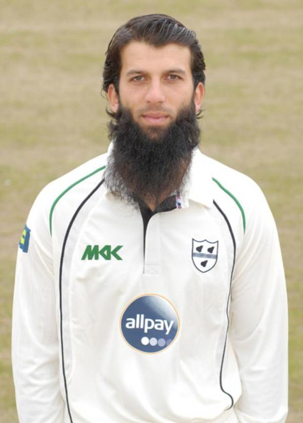 Ledbury Reporter: ENGLAND MAN: Moeen Ali impressed County director of cricket Steve Rhodes with his gritty display at Headingley.