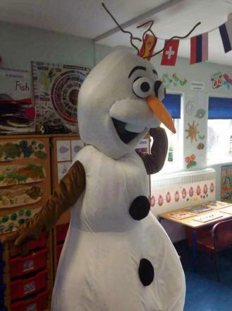 A COOL END OF TERM: Olaf comes to Busy Bees Pre-School.