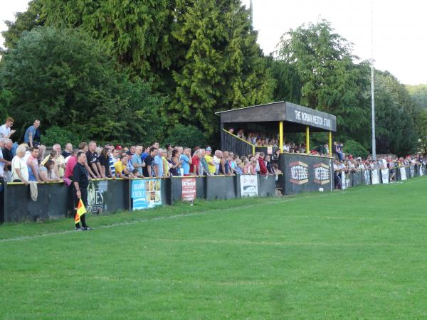 BUMPER CROWD: At Ledbury Town's New Street. Picture: CHRIS PONTER.