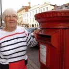 Ledbury Reporter: Liz Pitman wants to thank the stranger who stamped & posted a letter to her great-niece in Australia after she dropped it in Hereford. 1439_8001 (10713870)