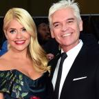 Ledbury Reporter: Holly Willoughby and Phillip Schofield mock Taylor Swift and Tom Hiddleston in hilarious holiday snaps