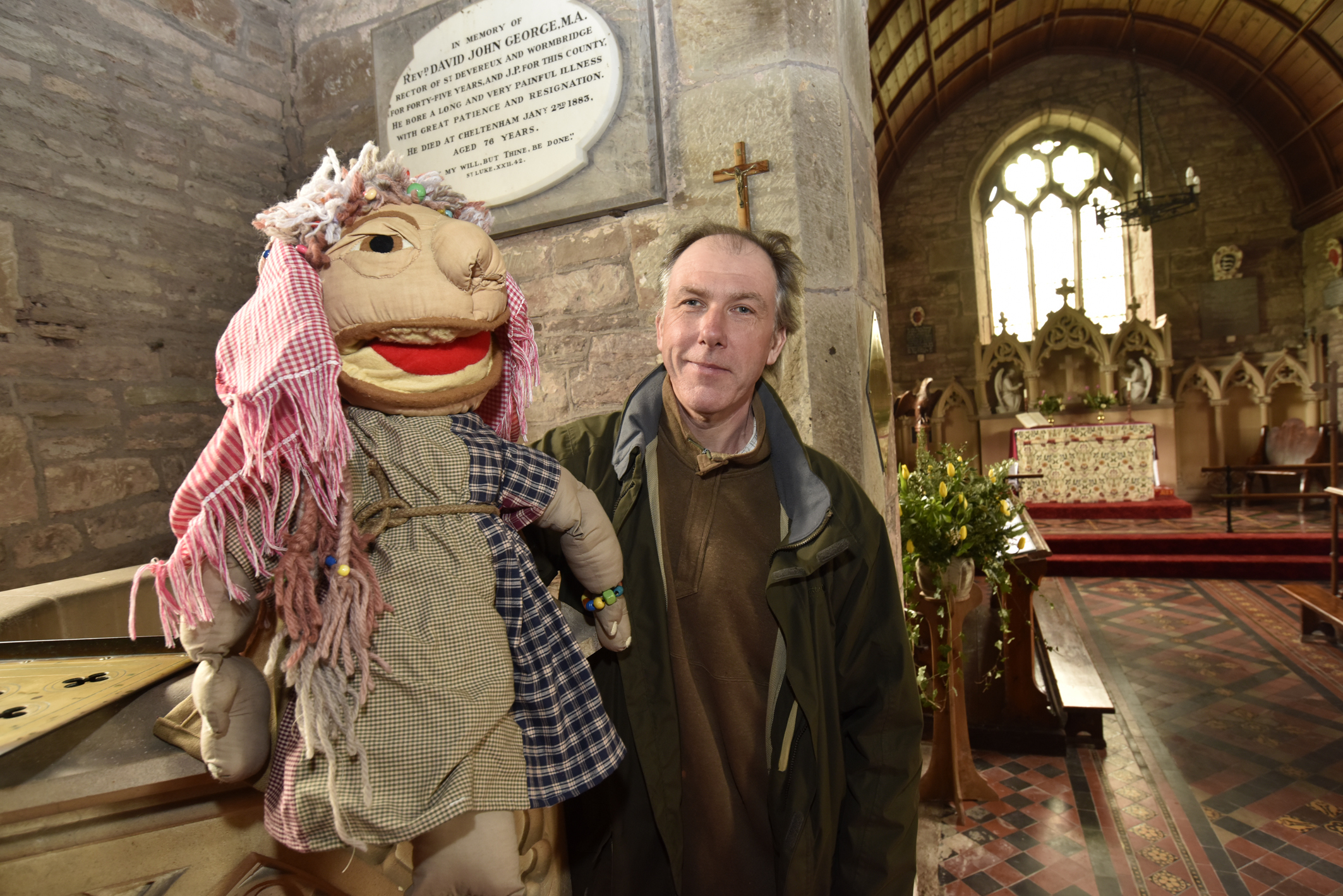 Chris Franks with his puppets describing the bible stories at St. Devereaux Church, Didley.ENDSPicture by David Griffiths