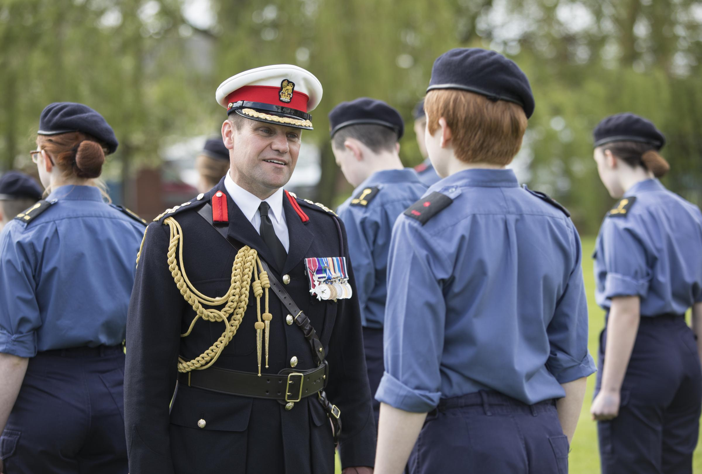 Brig Graeme 'Jock' Fraser chats to a young Cadet. Photo by Nanette Hepburn Photography